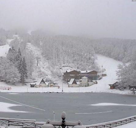neve cerreto laghi sfondo