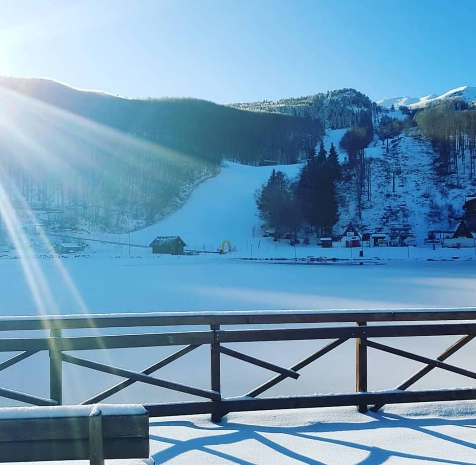 Cerreto laghi neve e sole